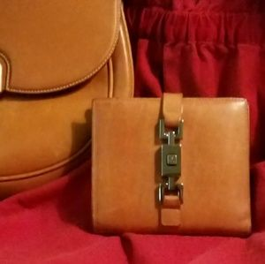 """""""On SALE""""Authentic Gucci ladies bifold wallet only"""